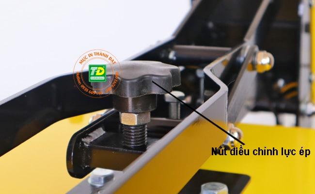 Nút vặn điều chỉnh lực ép Máy Ép Nhiệt 32x45
